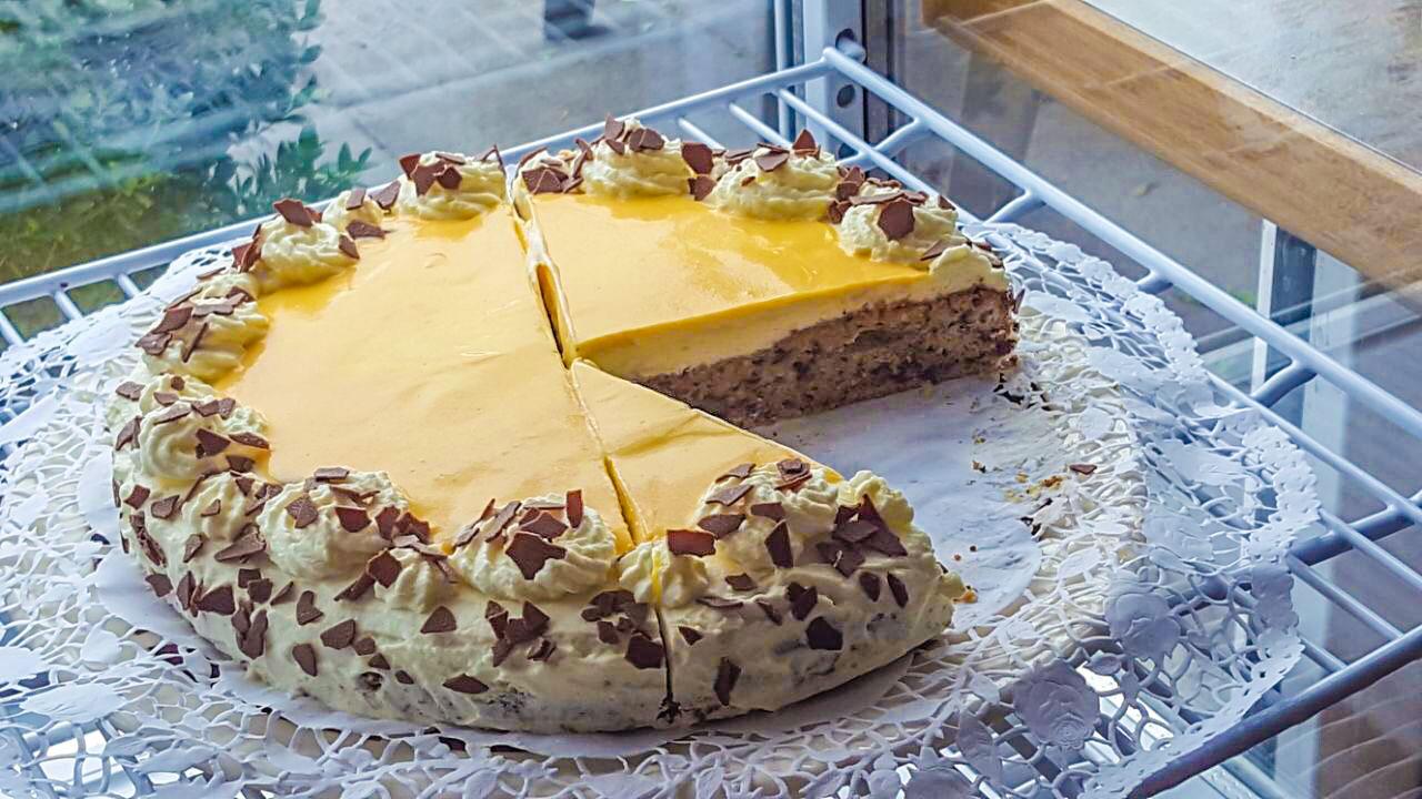 Lecker-Kuchen-essen-in-Giessen-Lützellinden